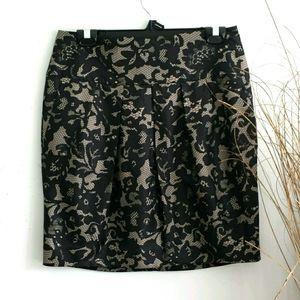 Banana Republic Size 8 Gray/Black Skirt